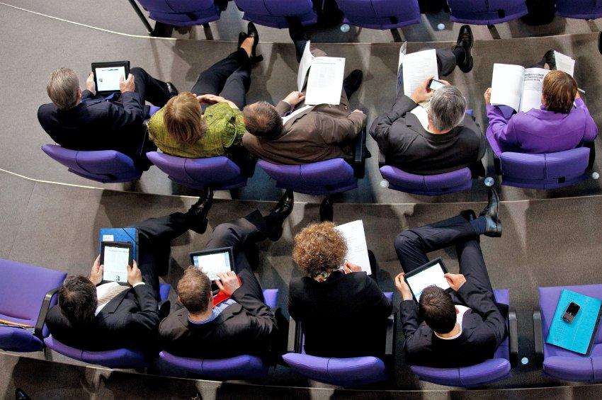 iPads sendo usados no Bundestag - Parlamento Alemão