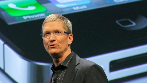Tim Cook no evento da Verizon - Reuters