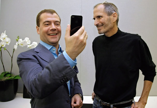 Steve Jobs e Dmitry Medvedev, presidente da Rússia