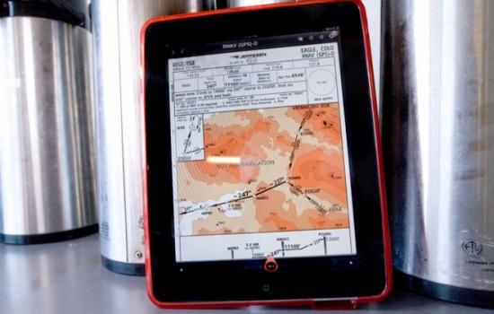 iPad com app de navegação da Jeppesen - WIRED