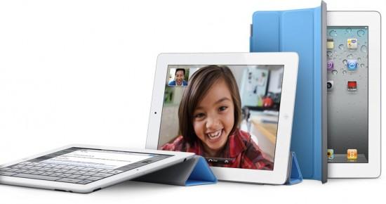 Vários iPads 2 com Smart Cover azul