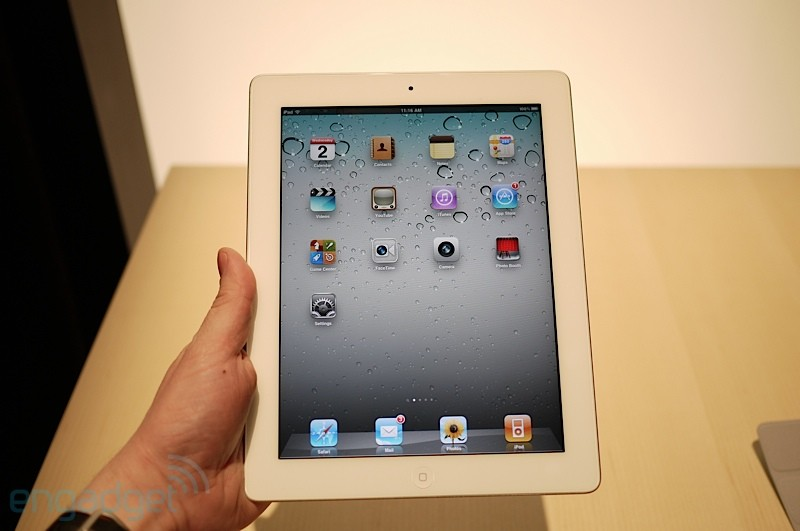 iPad 2 no hands-on do Engadget
