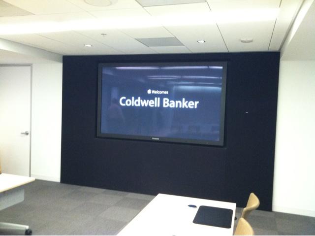 Apple em reunião com a Coldwell Banker