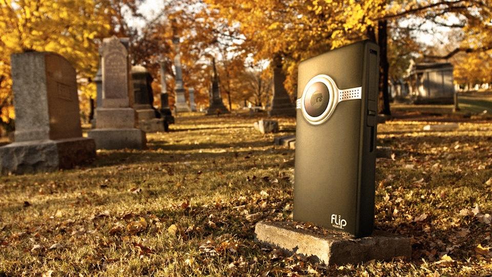 Câmera Flip no cemitério