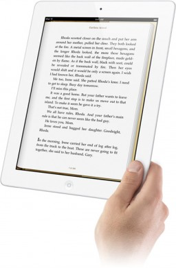 Mão com iPad 2 e iBooks