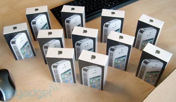 Batalhão de iPhones brancos
