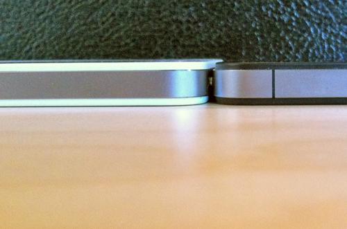 Espessura de iPhones 4 branco e preto