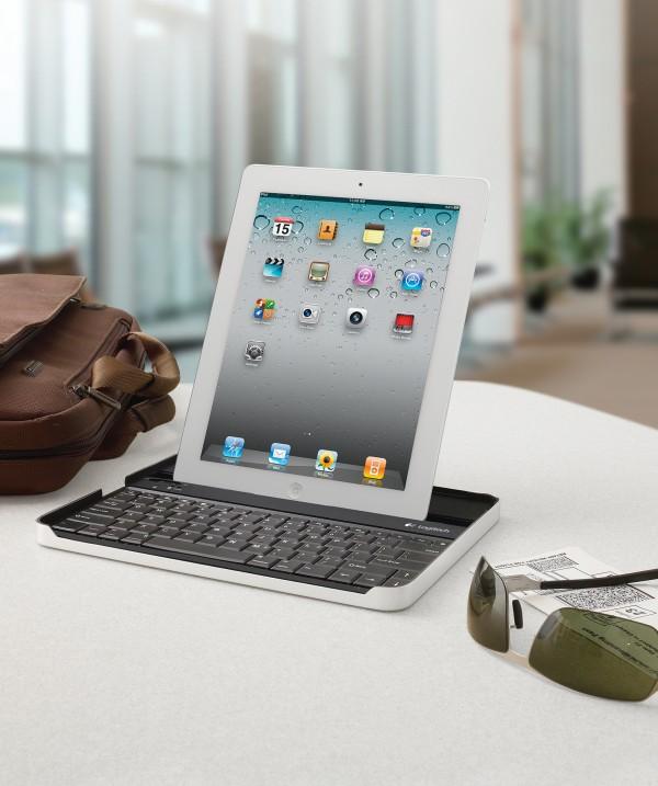Logitech Keyboard Case com iPad 2