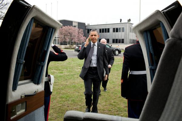 Obama com iPad na mão
