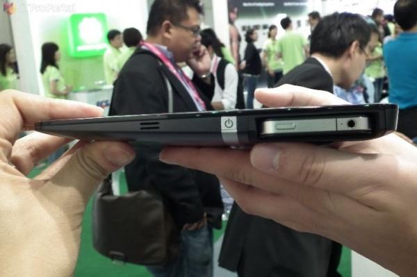 Tablet ECS com iPhone