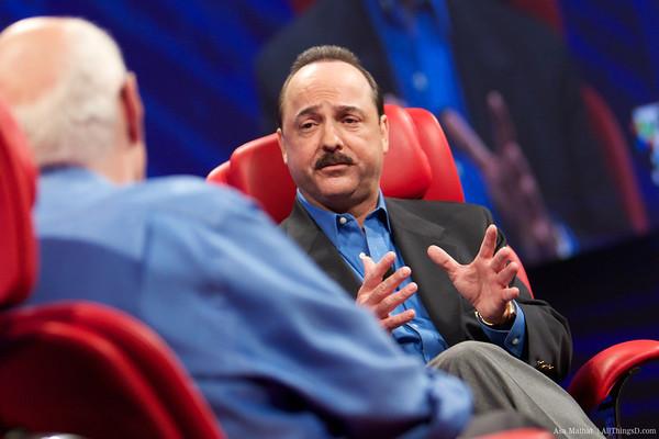 Presidente e CEO da AT&T, Ralph de la Vega