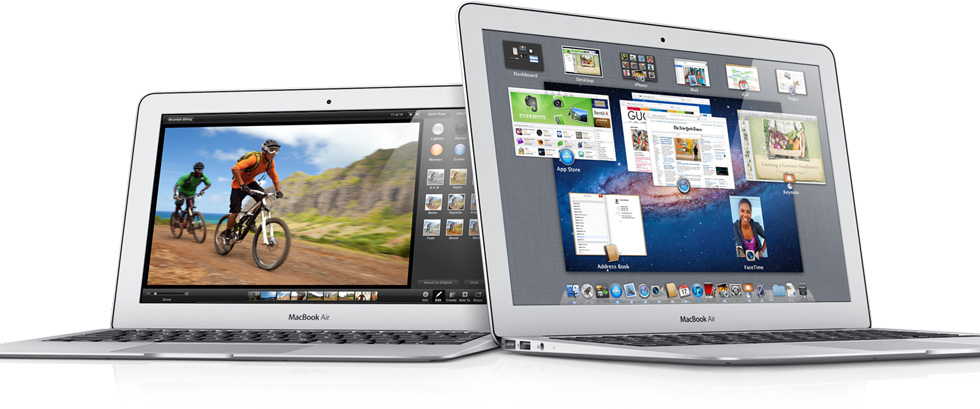 MacBooks Air de frente com o OS X Lion