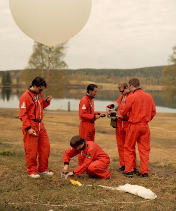 iPhone sendo preso a balão