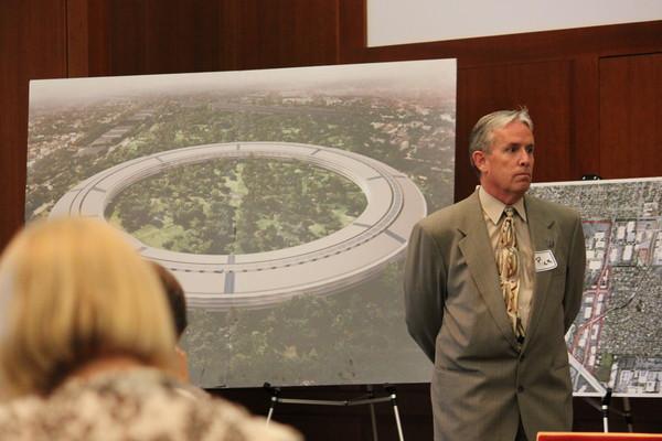 Discussão ambiental sobre o Apple Campus 2