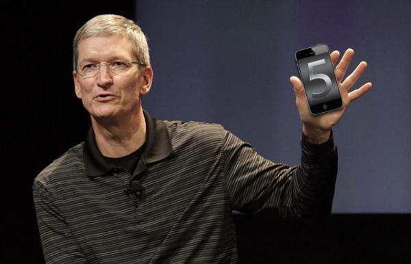 Tim Cook com iPhone 5 :-P