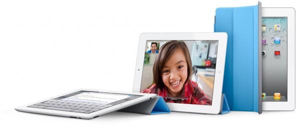 iPads 2 de lado com Smart Cover azul
