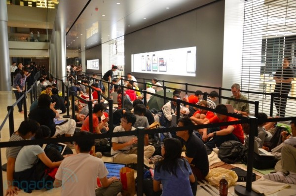 Apple Store de Hong Kong é inaugurada. 24-hongkong01-600x397