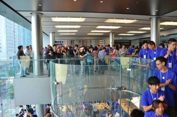 Apple Store de Hong Kong é inaugurada. 24-hongkong06-600x397