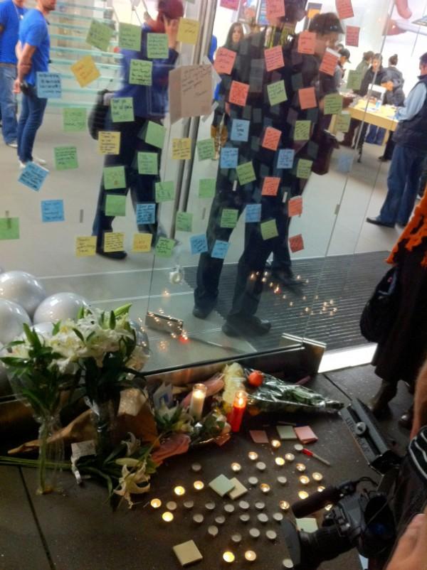 Homenagem a Steve Jobs na Apple Store Stockton