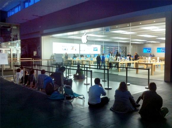 Fila - Apple Store, Charlestown