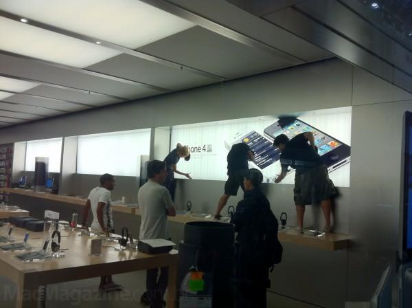 Painéis sendo trocados na Apple