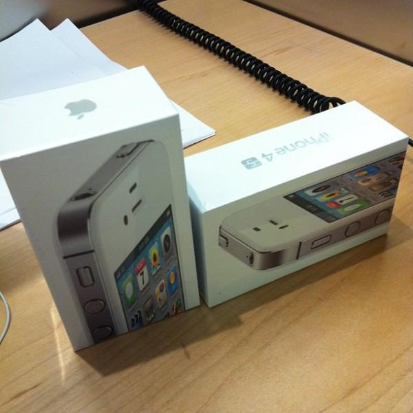 Caixa do iPhone 4S do Breno