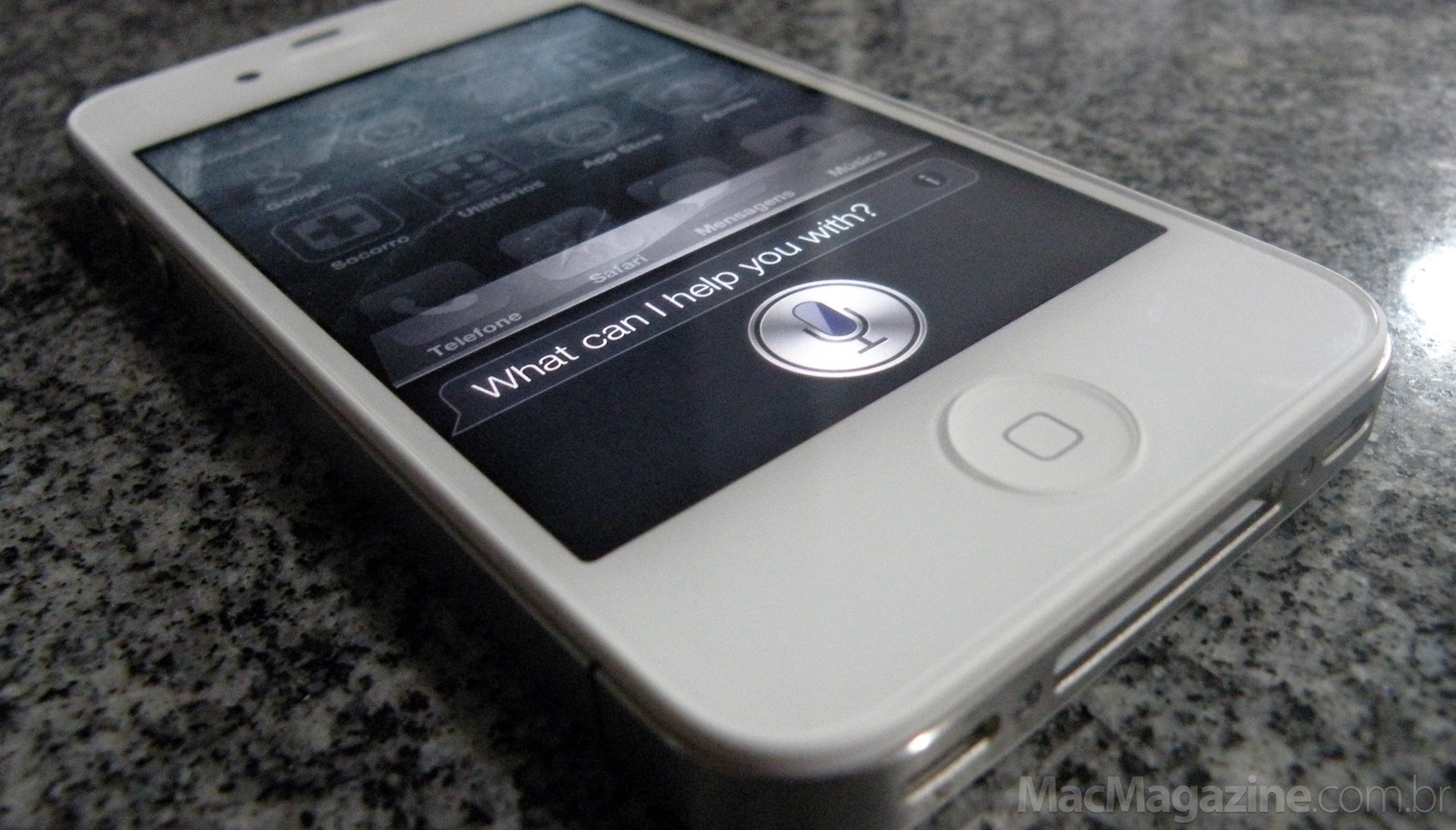 Siri no iPhone 4S (by MacMagazine)