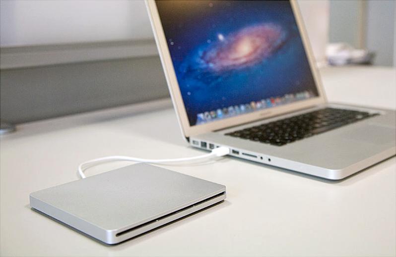 Boitier USB2.0 Storeva Slim Burner Case pour graveur MacBook/MacBook Pro unibody