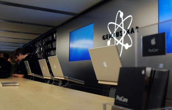 MacBooks Pro em Genius Bar