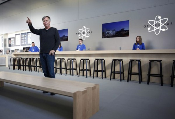 Ron Johnson numa Apple Retail Store