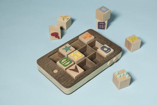iPhone de madeira - Kyle Bean e Thomas Forsyth