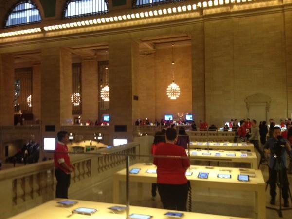 Apple Store, Grand Central - Ross Rubin