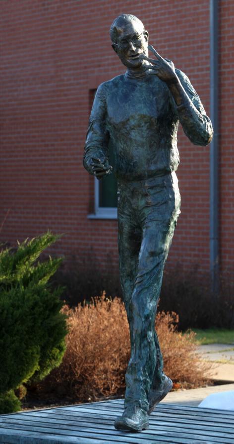 Estátua de Steve Jobs na Hungria