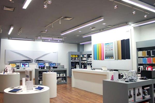 Interior de uma loja da iPlace
