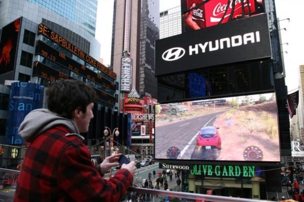 Hyundai Veloster em Times Square