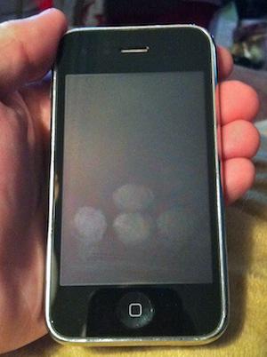 Impressões digitais num iPhone