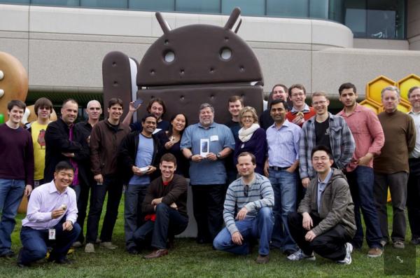 Woz foi buscar pessoalmente seu Galaxy Nexus, no campus do Google