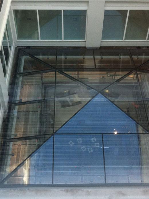 Construção da Apple Store em Leidseplein, Amsterdã