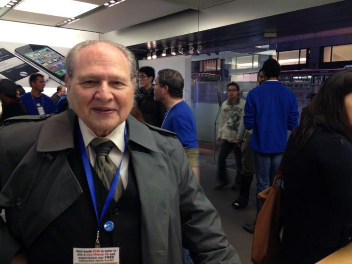 Ron Wayne numa Apple Store