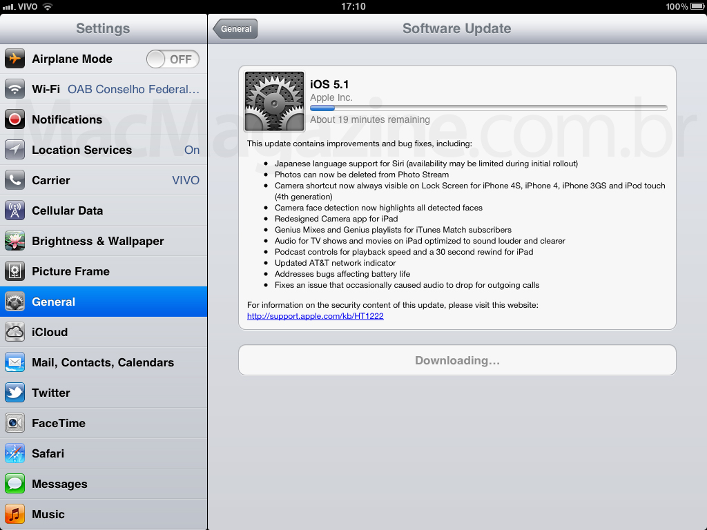 iOS 5.1 sendo baixado no iPad