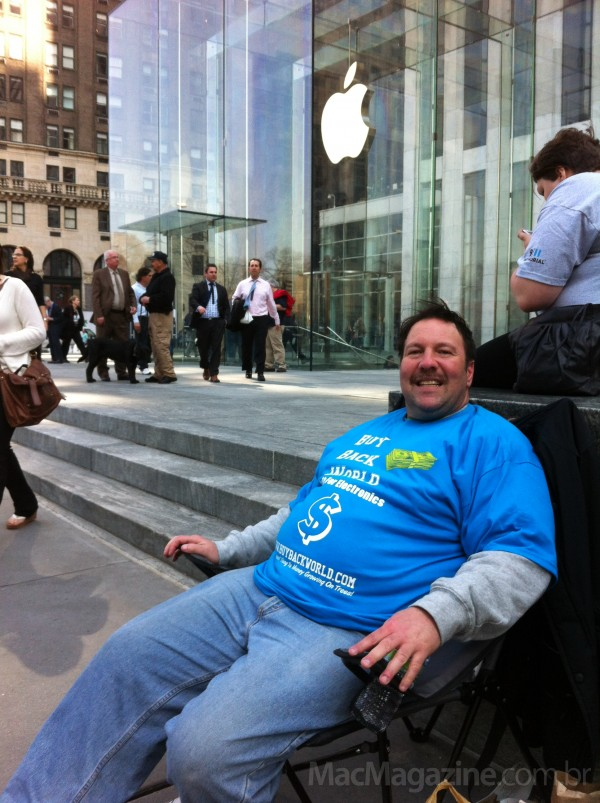 Fila para o novo iPad em NYC