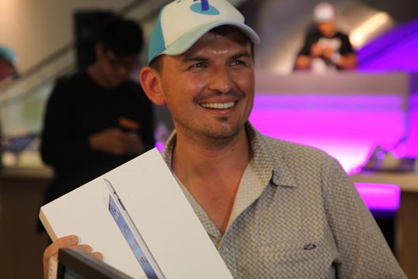 David Tarasenko, primeira pessoa a comprar o novo iPad