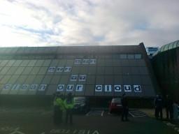 Protesto do Greenpeace na sede da Apple, em Cork (Irlanda)
