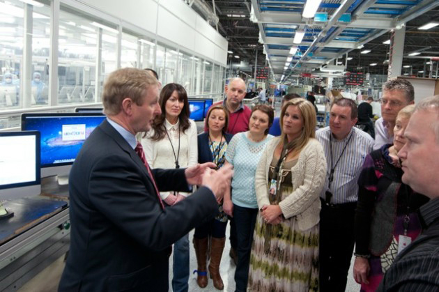 Taoiseach Enda Kenny na Apple em Cork