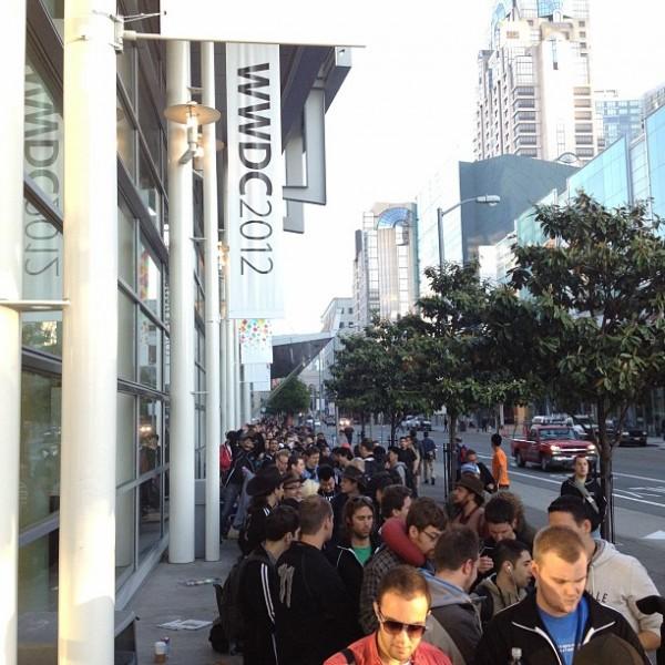 Fila no Moscone - WWDC