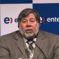 Miniatura do vídeo de Steve Wozniak falando sobre o Surface