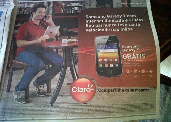 Claro vendendo smartphone da Samsung com iPad
