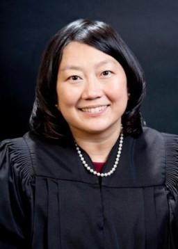 Juíza Lucy Koh