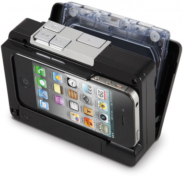 The Cassette To iPod Converter com iPhone