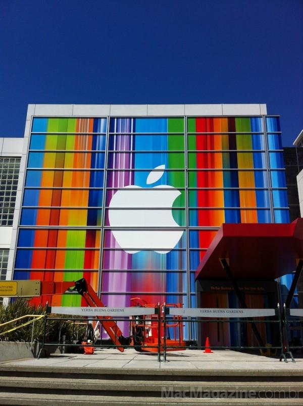 Yerba Buena Center decorado para evento da Apple